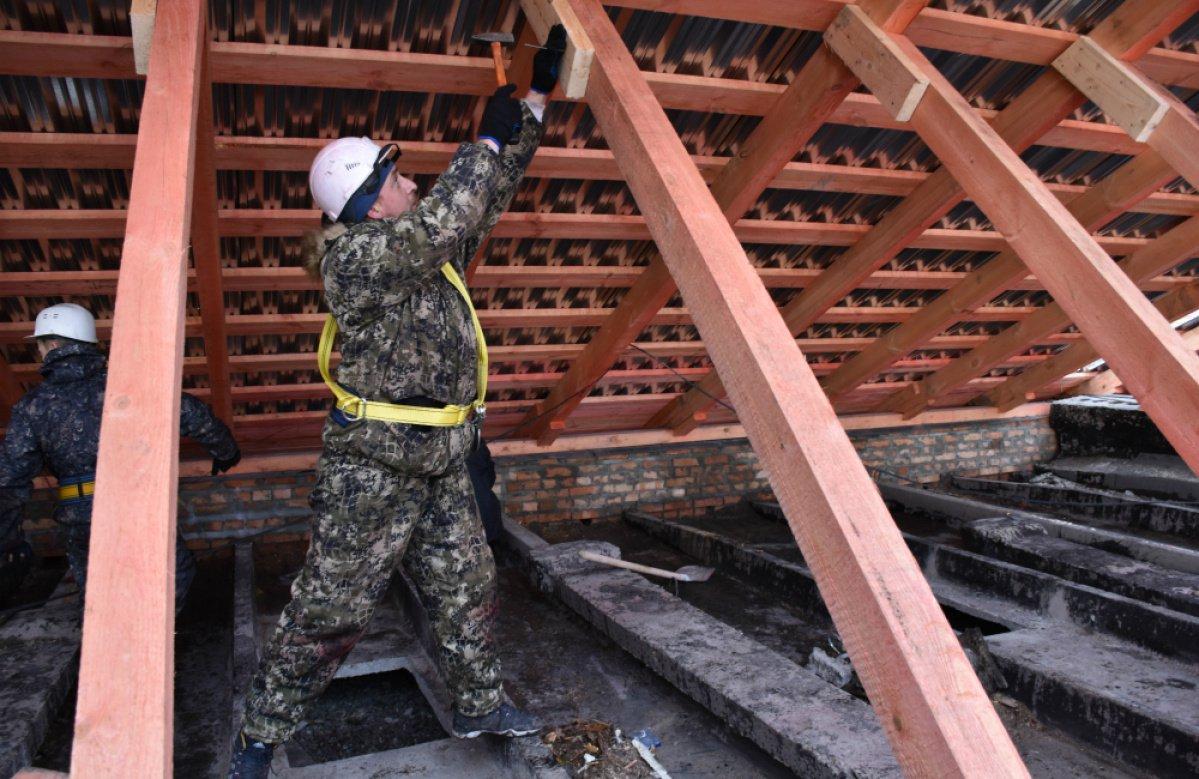 ремонт скатной кровли многоквартирного дома
