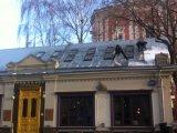 Очистка крыши ресторана от снега