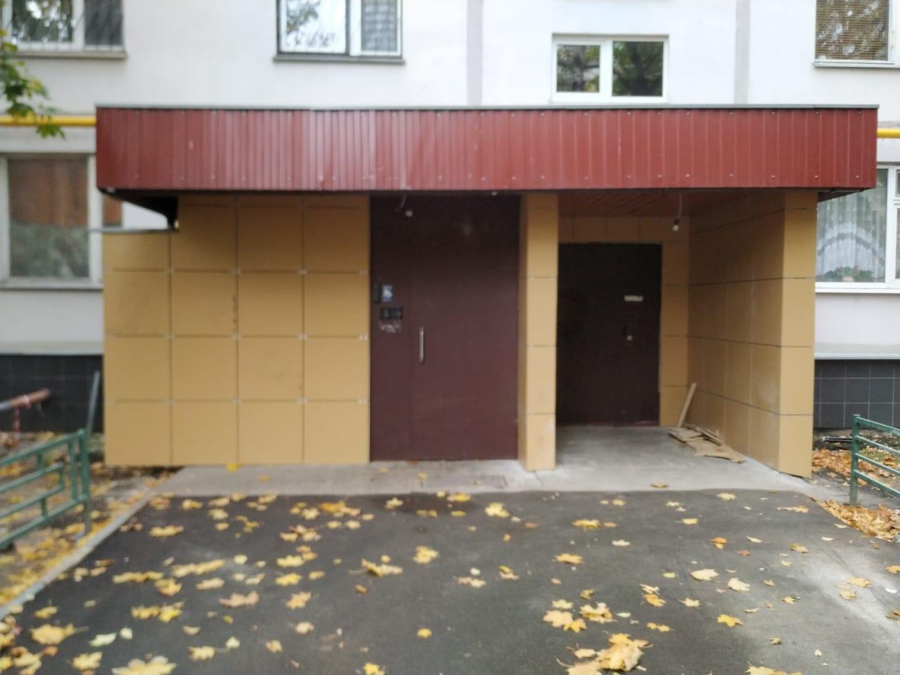 ремонт входной группы фасада